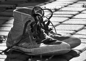 shoes-1560610_1920